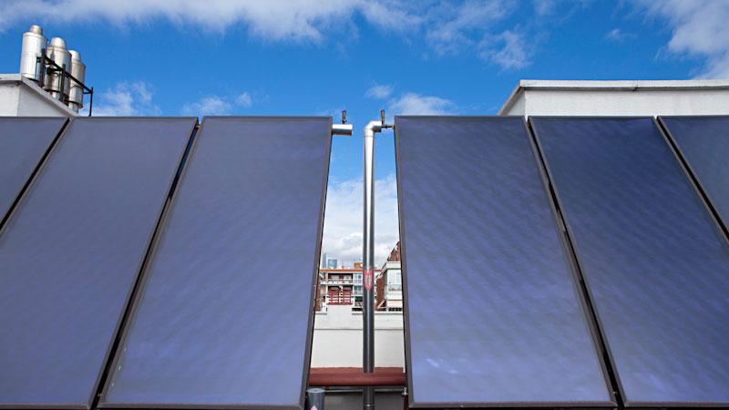 c mo funcionan las placas solares para producir agua