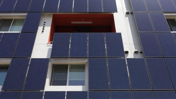 instalación fotovoltaica vertical